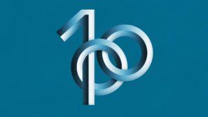 Symbol for Plasten 100 år i Sverige.