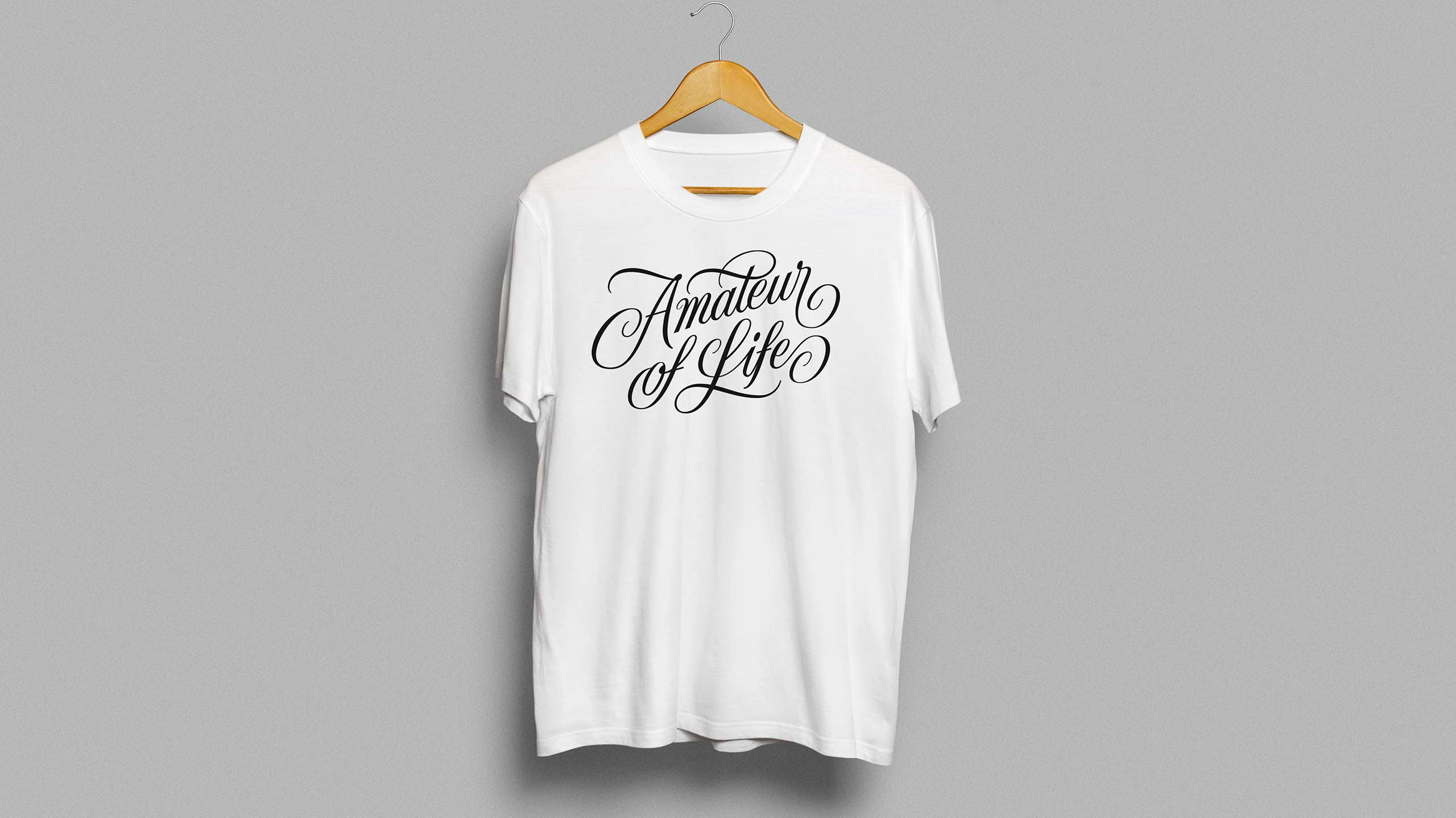T-shirt with Amateur of life lettering